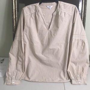 Crown & Ivy tan/white puffy sleeve tunic. Size L